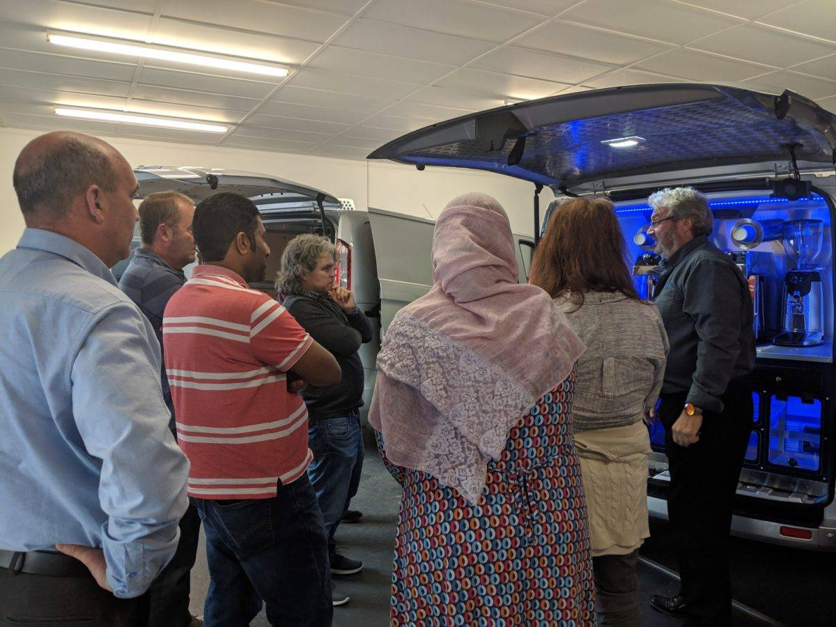 Discovery Day 02/05/19 - Colin with guests at the van